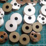 Ritelės įtvirčių ir rėmelinio tipo siuvimo mašinoms